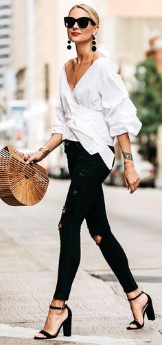 #summer #outfits Today On Fashion Jackson - Talking About My Favorite Bag Trend This Summer!