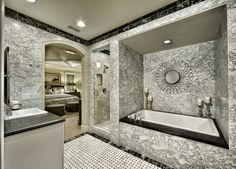 All the drama you could ever want in this super luxe #SoCal #masterbathroom.