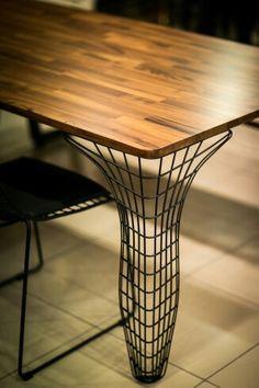 Metal ayaklı masif yemek masası Www.kargunhome.com