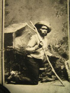 Portrait of Tracker Johnny from Maryborough District one of five trackers who helped track Ned Kelly Aboriginal Man, Aboriginal History, Aboriginal Culture, Old Photos, Vintage Photos, Gary Owen, Dr Marcus, Australian People, Ned Kelly