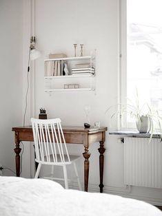 modern home office decorating ideas minimal and functional Bedroom Desk, Home Bedroom, Interior Design Inspiration, Home Decor Inspiration, Home Office, Small Office, Office Decor, Home Interior, Interiores Design