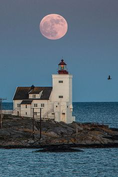 Hombor Lighthouse by Torehegg on Flickr