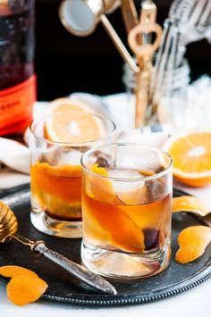 Classic Old Fashioned Cocktail - Whip up your favorite bourbon cocktail in 5 minutes with just 4 ingredients, poured over a large ice cube of course! Bourbon Cocktails, Easy Cocktails, Classic Cocktails, Cocktail Drinks, Fun Drinks, Yummy Drinks, Cocktail Recipes, Craft Cocktails, Beverages