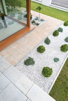 The rectangular and square modular elements of the VISIO system successfully . Indoor Garden, Home And Garden, Landscape Design, Garden Design, Stone Driveway, Casa Patio, Driveway Landscaping, Backyard Patio Designs, Side Yards