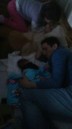 Apával alszunk