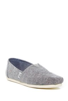Speckle Chambray Classics Slip-On Sneaker Toms Flats, Toms Classic, Walk This Way, Liner Socks, New Shoes, Chambray, Designer Shoes, Yves Saint Laurent, Slip On