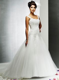 White Lace Wedding Dress 58ab58760476