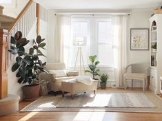 A Simple Mid-Century Home Makes Kid-Friendly Look Good | Apartment Therapy