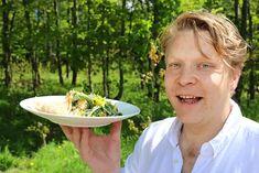 Voikukasta salaattia ja horsmasta kastiketta! Tee rikkaruohoista trendiruokaa – katso video - Ruokauutiset - Ilta-Sanomat