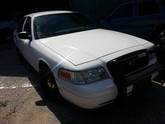 2004 Ford Crown Victoria for sale. has 102,000 Miles. runs and drive good. very clean no rust.