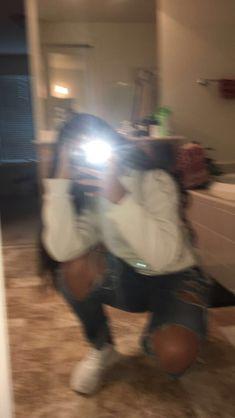 🍒 ғᴏʟʟᴏᴡ ᴍᴇ ғᴏʀ ᴍᴏ… - Post Tutorial and Ideas Photo Snapchat, Snapchat Selfies, Snapchat Girls, Girl Photo Poses, Girl Photography Poses, Cute Photos, Girl Photos, Instagram Pose, Friends Instagram