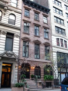 Where Grand Buildings were Born. No. 28 East 21st Street, New York. Where the architect Richard Morris Hunt established his studio and office
