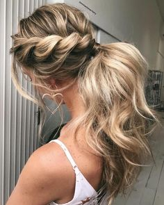 Hairstyle Bridesmaid, Prom Hair Updo, Pony Hairstyles, Hairstyles With Bangs, Hairstyle Ideas, Wedding Hairstyles, Holiday Hairstyles, Semi Formal Hairstyles, Hair Ideas