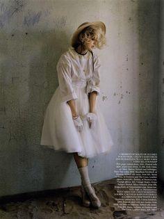Tim Walker Photography, Vogue Photography, Photography Ideas, Agyness Deyn, Fairytale Fashion, Vogue Us, Fashion Photography Inspiration, Vogue Magazine, Fashion Story