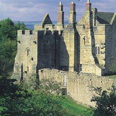c Aydon Castle, Northumberland Castle Ruins, Medieval Castle, Beautiful Castles, Beautiful Buildings, Places To Travel, Places To See, Northumberland England, Castles In England, English Castles
