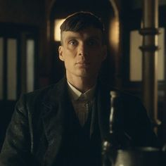 Who is excited for season 3 of #PeakyBlinders? #TommyShelby #CillianMurphy
