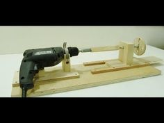 How to make a Mini Lathe video by Jack Houweling on youtube.com ttp://www.jax-design.net/ I show step by step how to make a mini lathe using a power drill. I turn a few pieces and then make a small tool handle. Category Howto   https://www.youtube.com/watch?v=yCaGW9z4blM