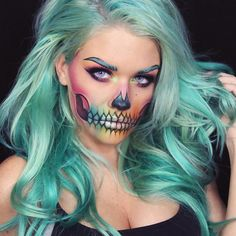 """""""SCRIBBLE SKULL Inspired by @the_wigs_and_makeup_manager, using @sugarpill pigments in Lumi, Hug Life, and Darling, @katvondbeauty Mi Vida Loca Remix…"""""""