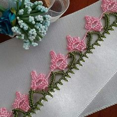 Very Showy 51 Pink White Crochet Needlework Models - Knitting Cow Baby Showers, Hipster Baby Clothes, Embroidery On Clothes, Knitting Videos, Baby Knitting Patterns, Handmade Bags, Crochet Lace, Easy Crochet, Pink White