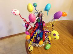 Find 20 cool easter hat parade ideas that you can create with your kids. Keep boredom at bay this Easter with these fun Easter Hat crafts. Boys Easter Hat, Easter Bonnets For Boys, Easter Hat Parade, Easter Crafts For Kids, Easter Ideas, Crafts Toddlers, Crazy Hat Day, Crazy Hats, Spring Hats