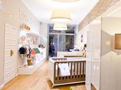 EL MÓN D'EN DADÀ · Barcelona, moderna tienda Espacios Alondra en calle Petritxol, 6 de 08002 Barcelona, mobiliario infantil de diseño.