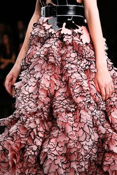 Alexander McQueen Spring 2015 Ready-to-Wear - Collection - Gallery - Look 1 - Style.com