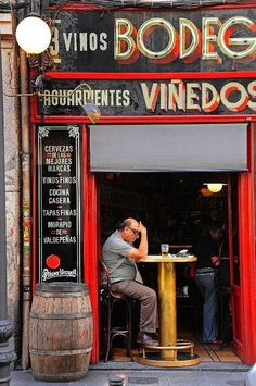 Tips on 25 Things to Do in Spain: Bodega Ardosa, Madrid. The Places Youll Go, Places To Visit, Barcelona, Foto Madrid, Places In Spain, Le Palais, In Vino Veritas, Spain And Portugal, Vintage Ads