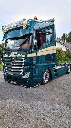 Trucks And Girls, Big Trucks, Mb Truck, Customised Trucks, Mercedes Benz Trucks, Truck Paint, Mp5, Roads, Trailers