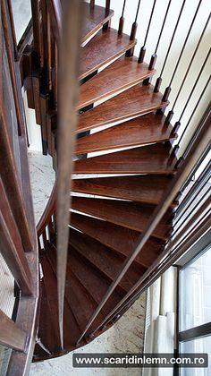 scari interioare din lemn cu trepte suspendate pe corzi Stairs, Home Decor, Cabin, Stairway, Decoration Home, Room Decor, Staircases, Home Interior Design, Ladders