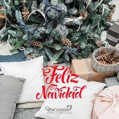 Todos los que formamos Your Cushion os deseamos 🎊🎉 ¡¡FELIZ NAVIDAD, DECOLOVERS!! 🎄🎅  Que disfrutéis de una bonita noche junto a vuestros seres queridos y la magia de estas fiestas inunde vuestro hogar 🏠❤️  #yourcushion #feliznavidad #regalos #familia #nochebuena #xmas #regalacomodidad #conjinesamedida #decor #homedecor #interior #deco #furniture #arquitetura #interiorismo #homesweethome
