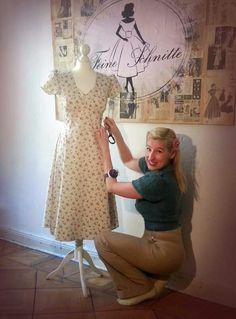 """Forties dress """"Madeleine"""" mille fleur cotton fabric. 155,-€ Tailored in Berlin. #vintage #vintagestyle #vintagedress #1940 #forties #fortiesstyle #fortiesdress #retro"""