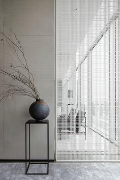 LSDCASA/ Waterfront Gallery on Behance Minimalist Interior, Modern Interior Design, Interior Architecture, Interior Design Gallery, Japan Design, Wall Design, House Design, Design Design, Design Ideas