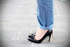 Jeans boyfriend Asos per il primo giorno al Franciacorta OutletIrenes Closet – Fashion blogger outfit e streetstyle #style #outfit #look #asos #boyfriend #jeans #irenecolzi #fashionblogger #irenecloset #black #heels #pointy www.ireneccloset.com