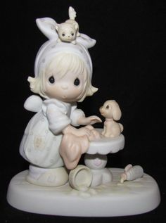 Precious Moments Figurine w/ Box ~ E-2822 ~ This Is Your Day To Shine