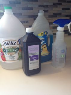 Dawn Shower Cleaner, Vinegar Shower Cleaner, Homemade Shower Cleaner, Cleaning Recipes, Diy Cleaning Products, Cleaning Solutions, Cleaning Hacks, Diy Cleaners, Cleaners Homemade