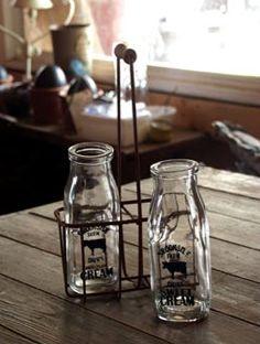 Antique Vintage Decor Vintage Inspired Cream Bottles with Holder - Brookside Farm Dairy Sweet Cream Vintage Inspired Bottles with Carrier. Carrier - 9 tall X wide X depth Bottles - 2 diameter X 5 tall Vintage Milk Bottles, Glass Milk Bottles, Bottles And Jars, Antique Bottles, Antique Glass, Mason Jars, Pots, Bottle Carrier, Wire Baskets