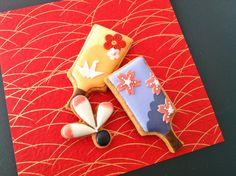 Japan - New Years cookies - fan motif  http://c-bonbon.blogspot.jp/2013/01/new-year-cookies.html?m=1