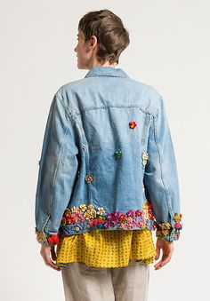 Denim Jacket Patches, Shirt Jacket, Coat Of Many Colors, Crocheted Flowers, Old Shirts, Altering Clothes, Embroidered Jacket, Diy Clothes, Diy Fashion