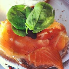 Photo by healthspecific Cheese Bagels, Healthy Snacks, Healthy Recipes, Smoked Salmon, Meal Planning, Panna Cotta, Meals, Cooking, Ethnic Recipes