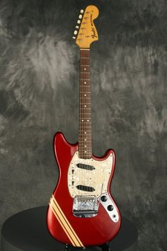 Vintage Guitars, Are proud of in purchasing musicians along with sincere guitars. They usually have a vintagelook utilizing a usefulness of the most extremely contemporary versions. Fender Mustang Guitar, Fender Bass Guitar, Gibson Guitars, Fender Guitars, Vintage Electric Guitars, Cool Electric Guitars, Vintage Guitars, Fender Vintage, Fender Squier