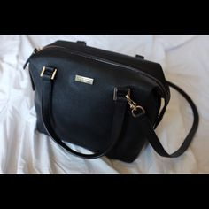 Kate Spade satchel Comes with a removable strap. Only worn once. Mint condition Kate Spade Bags Satchels