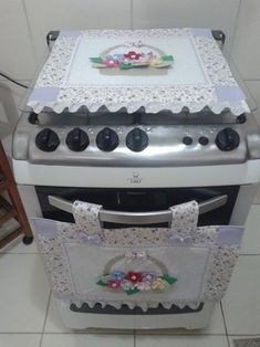 Country Kitchen Sink Diy Kitchen Manta Craft Business Home Crafts Diy Crafts Amish Crafts Recycled Home Decor Table Toppers Kitchen Curtains, Kitchen Towels, Diy Arts And Crafts, Home Crafts, Art Deco Curtains, Sewing Crafts, Sewing Projects, Designer Bed Sheets, Diy Kitchen Storage