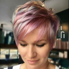 70 Best Short Pixie Cut Hairstyles 2019 - Cute Pixie Haircuts for Women - - Short Hairstyles - Hairstyles 2019 We guarantee you that they are extremely an extraordinary gathering of the Best Short Pixie Hairstyles 2019 in the mold drift for you. Cute Pixie Haircuts, Short Layered Haircuts, Haircut Short, Pixie Haircut Color, Haircut Medium, Pixie Cut Color, Funky Haircuts, Pixie Cut Styles, Popular Haircuts