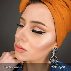 Feb 13, March, Gel Eyeliner, Lbd, Makeup Products, Cosmetics, Shop, Beauty, Beauty Illustration