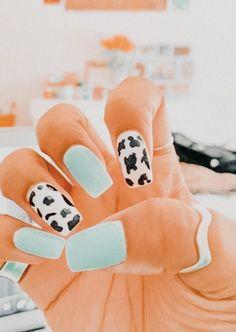 Acrylic Nails Coffin Short, Simple Acrylic Nails, Best Acrylic Nails, Cute Gel Nails, Pretty Nails, Western Nails, Country Nails, Cow Nails, Nagellack Design