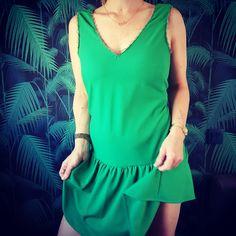 Voici enfin ma contribution au défi #juintoiàlafête de @rennes_des_cousettes !!! Robe jade de @louisantoinetteparis ! 💚💚Crêpe de viscose de @eglantineetzoe 🌵🍀agrémentée d'une petite dentelle prêt noire de @ladroguerierennes Très agréable à coudre et à porter!!#jeportecequejecouds #rennesdescousettes #robejadelap #jadelap #couture #coutureaddict #rennes #faitmain #juintoiàlafête Voici, Casual, Fashion, Jade Dress, Rennes, Sewing, Lace, Moda, Fashion Styles