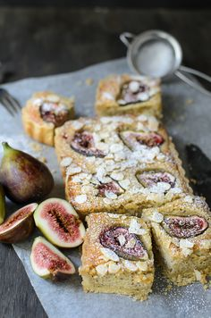 Delicious summer fruit bake ~ Fig Frangipane tarts