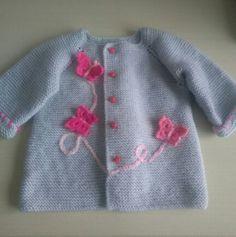 Örgü kız bebek hırkası Baby Girl Sweaters, Knitted Baby Clothes, Hand Knitted Sweaters, Crochet Clothes, Knitting For Kids, Crochet For Kids, Baby Knitting, Crochet Baby, Knit Crochet
