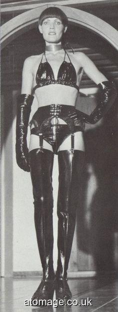 Vintage Boots, Vintage Leather, Vintage Glamour, Vintage Ladies, Rubber Dress, Sophia Loren Images, Thigh High Boots Heels, Leather Lingerie, Fetish Fashion