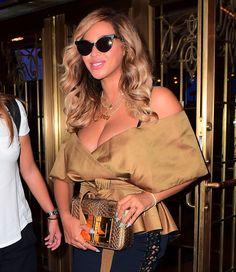 Beyoncé wore a TOM FORD gold medium Natalia bag to the 'Dear Evan Hansen' production on Broadway. #TOMFORD